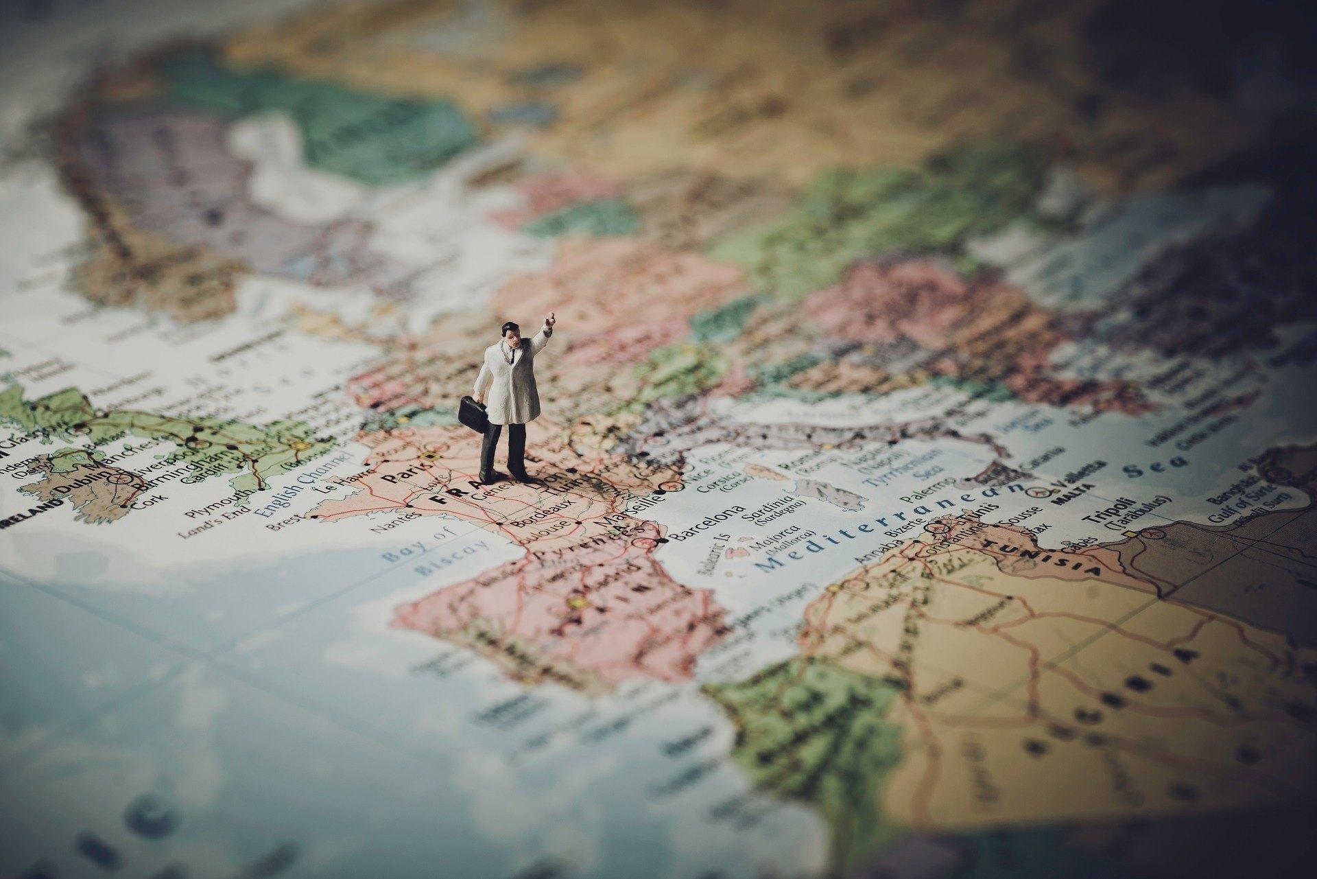 Francia anuncia nueva visa para empresas tecnológicas